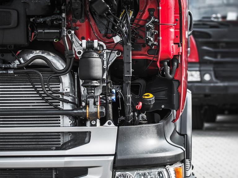 Boks 2 - naprawa samochodów ciężarowych